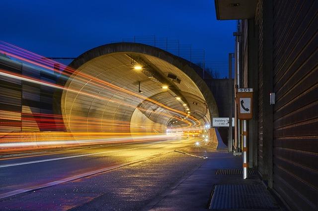 provoz v tunelu.jpg