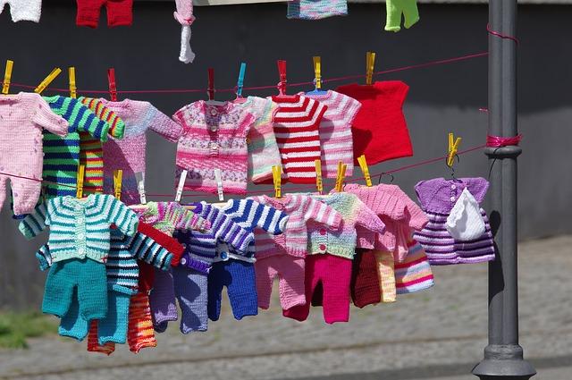 dětské oblečení na šňůře
